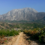 Blick zurueck zum Chembe Peak, Mulanje Massiv, Malawi